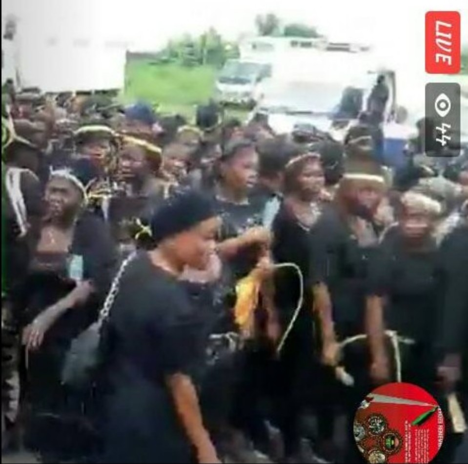 IPOB Women Shut down Owerri Over Nnamdi Kanu's Whereabouts (Pictures)