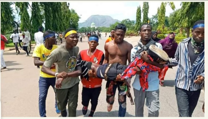 Police open fire on Shiite protesters in Abuja(images)