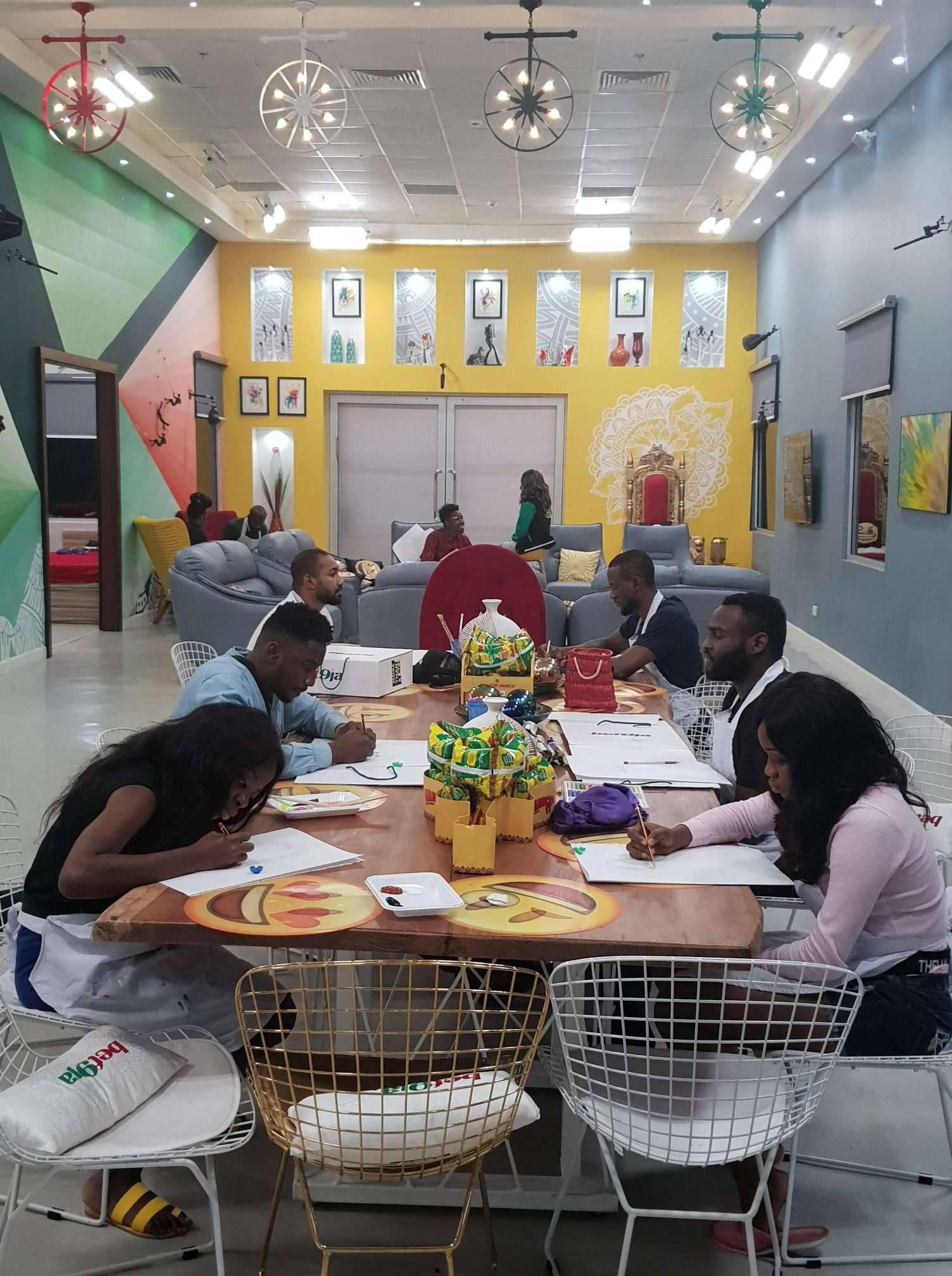 #BBNaija2019 : The portrait drawing task (pictures)