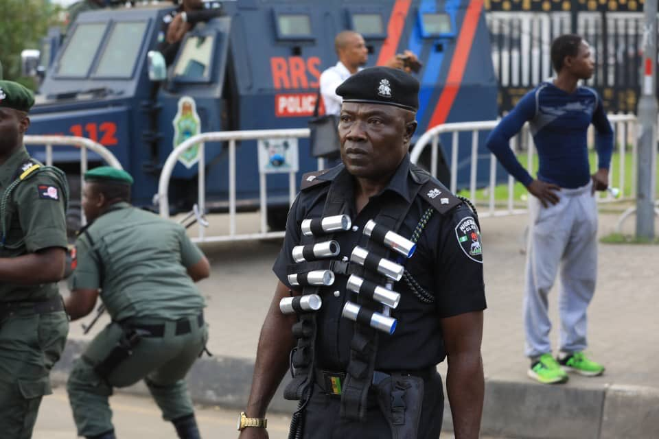 #RevolutionNow : Protest in Lagos turn chaotic as Police disrupt plans (Video)