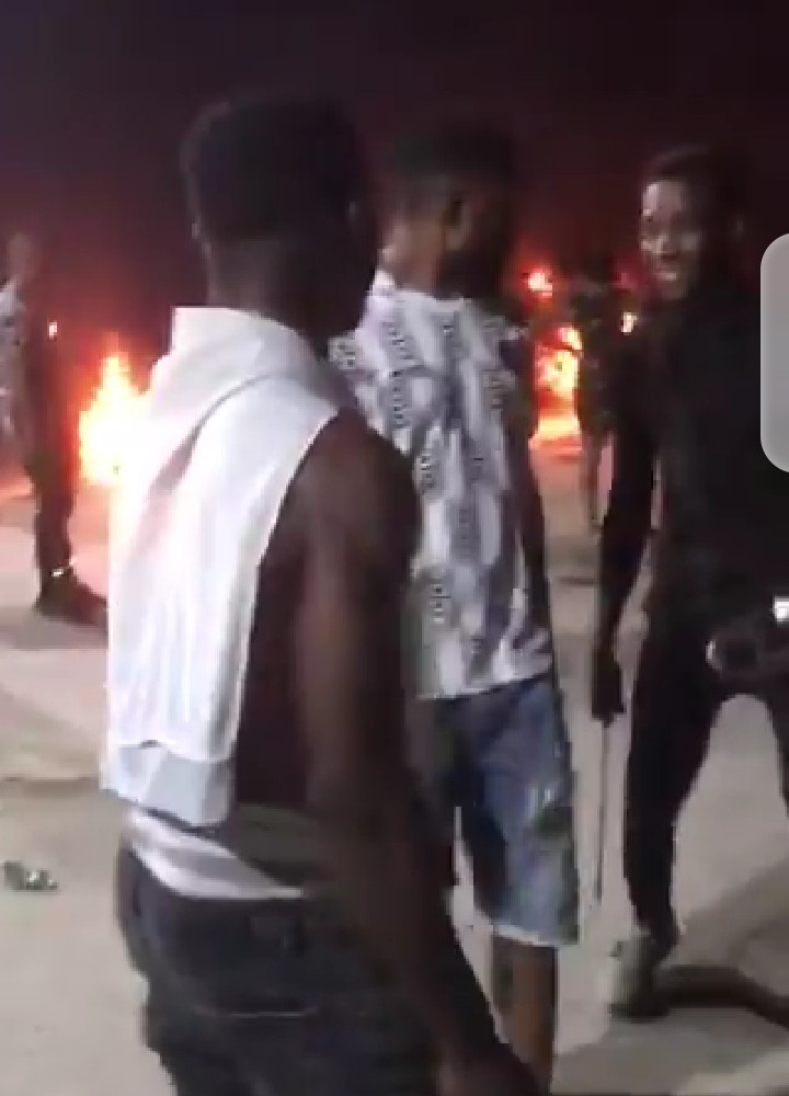 Lagosians take security matters into their own hands as miscreants terrorize the streets (video)