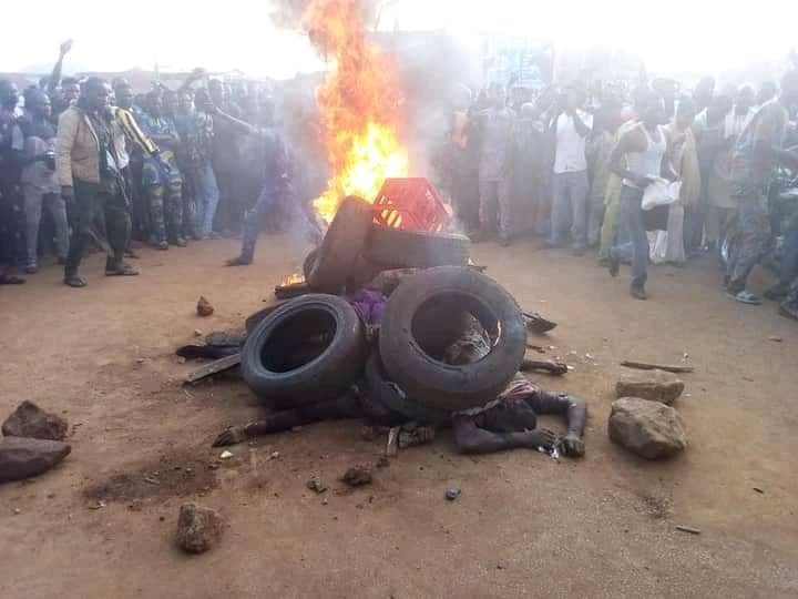 3 armed robbers burnt to death by mob after failed bank robbery in Oyo