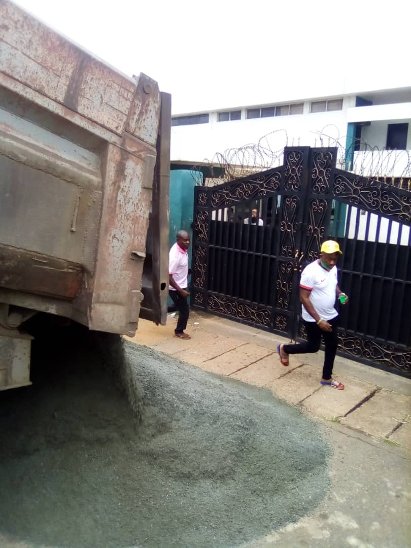 Obaseki Heaps granite In Front Of Edo Assembly Over Impeachment Scare