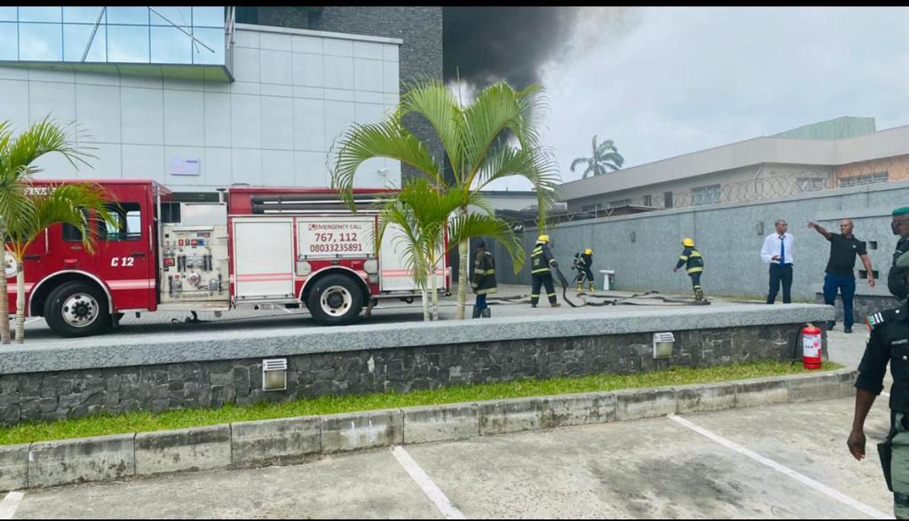 Access bank in VI gutted by fire (video)
