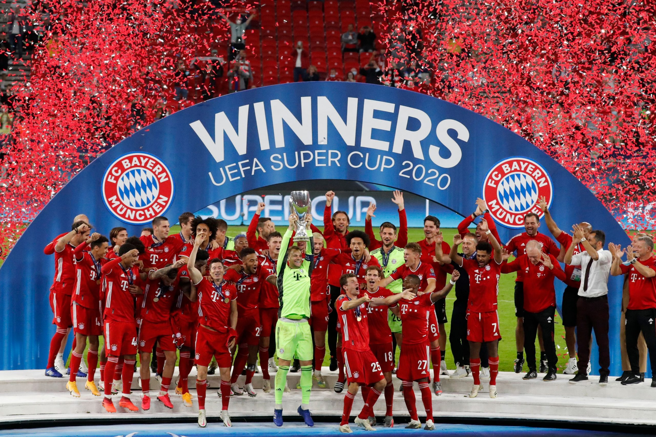 Bayern beat Sevilla to win Super Cup (video)