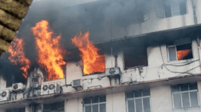 Fire Guts INEC Headquarters In Ondo(video)