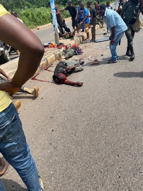 Many Policemen feared Dead In Ondo Auto Accident (graphic Photos)