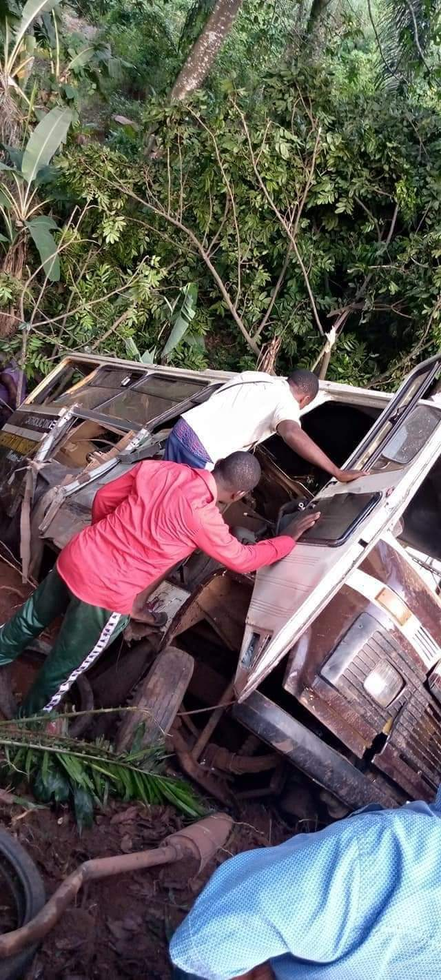 21 confirmed dead in Enugu school bus accident