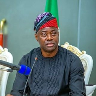 #EndSARS : Seyi Makinde employs security personnels to protect Protesters (video) %0000