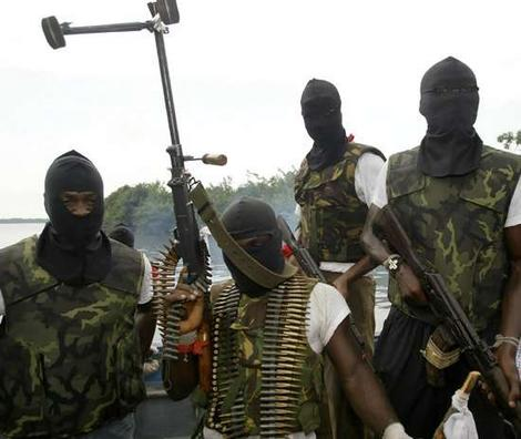 Niger Delta militants resurfaces, make new threats (video)