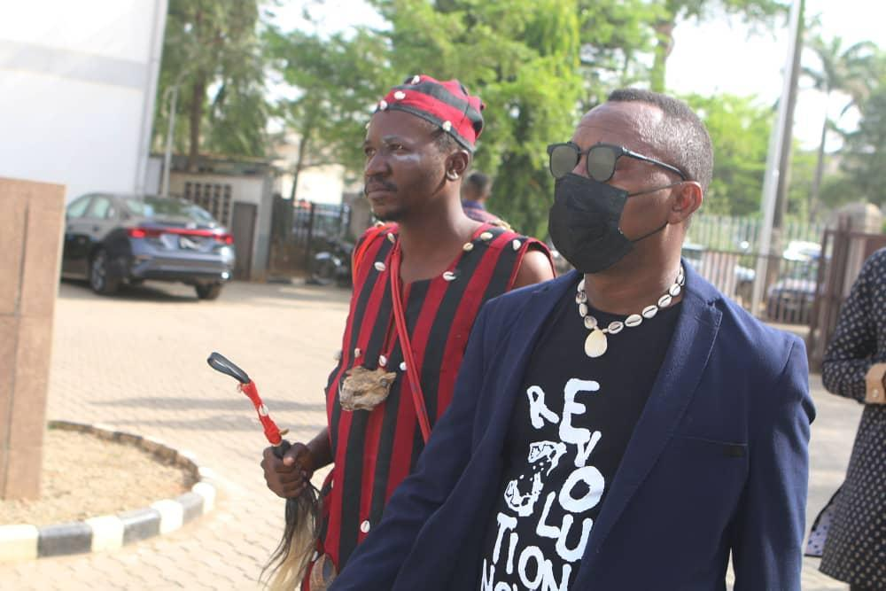 Drama As Sowore Storms Court With Witch Doctor (video, Photo)