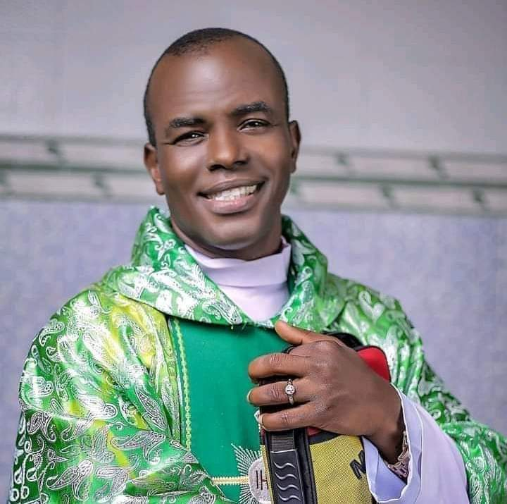 Fr. Mbaka apologizes to Bishop Onaga, catholic community (video)
