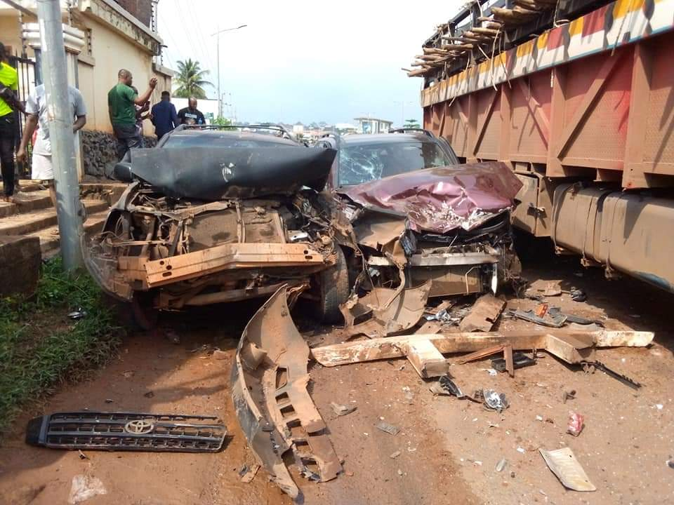 Tragic : Fatal accident at Kwata Junction Awka asTrailer loaded with Cow lost control(pictures)