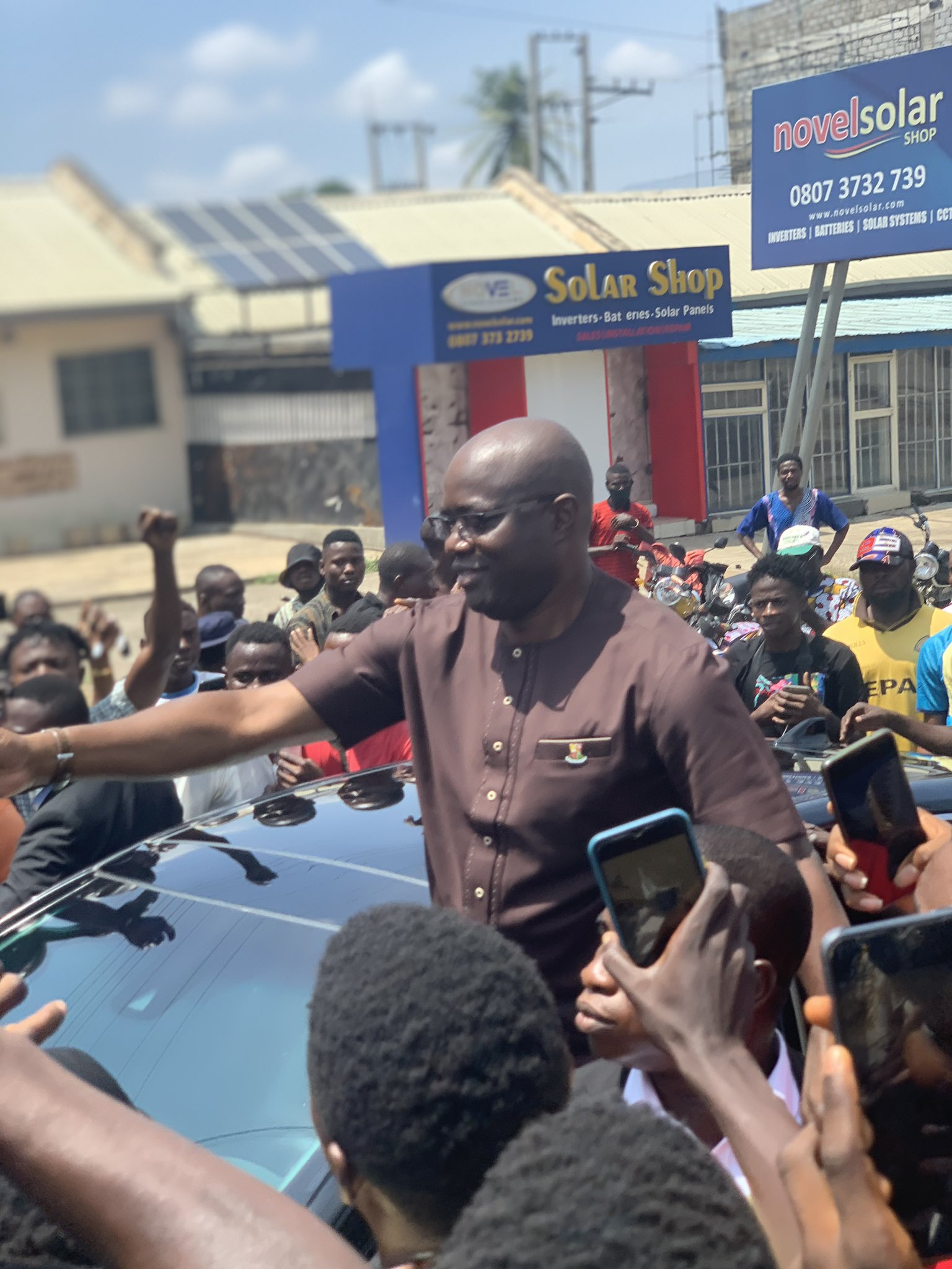 #June12protest : Nigerians react as Seyi Makinde joins protest (video)