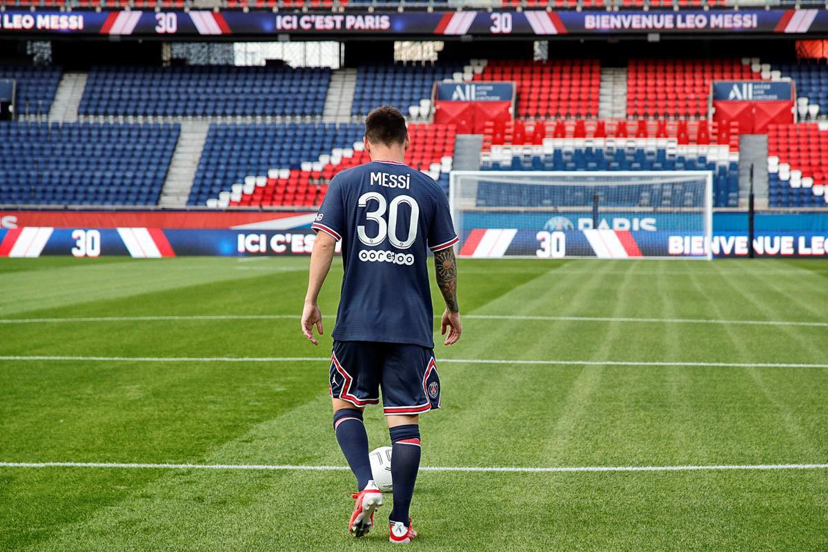 PSG sell Over 150,000 Messi Shirts in 7 minutes